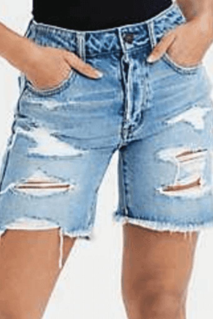 high-waisted-denim-shorts-for-curvy-girls